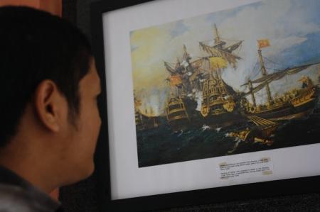Lukisan yang mengisahkan peperangan, Kapal utusan dari Turki bertempur di laut lepas saat menuju ke Aceh dengan penjajah