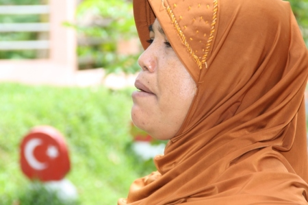 Kenalkan ini Ibu Azimah, anak dari keturunan ke sembilan Tengku H. Abdul Aziz bin Syeikh Ismail