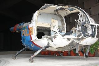 Bangkai helikopter pascatsunami 26 Desember 2004