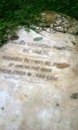 Foto ini mengingatkan dengan ciri khas makam di luar negeri