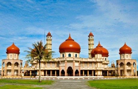 Masjid Agung Baitul Makmur Meulaboh