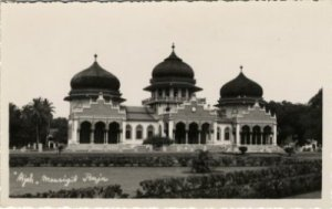 Masjid Raya dengan 3 kubah