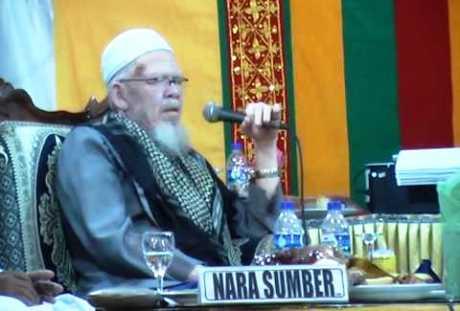 Tgk H Mustafa Ahmad - Kisah Syariat di Negeri Atas Angin