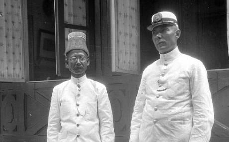 Teuku Panglima Polem bersama F.W. Stammeshaus sang kurator Museum Atjeh, 16 Februari 1928. (IST)